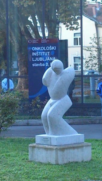 Bojevnik, 2011, kamen Repen (Marmor Sežana), višina 180 cm